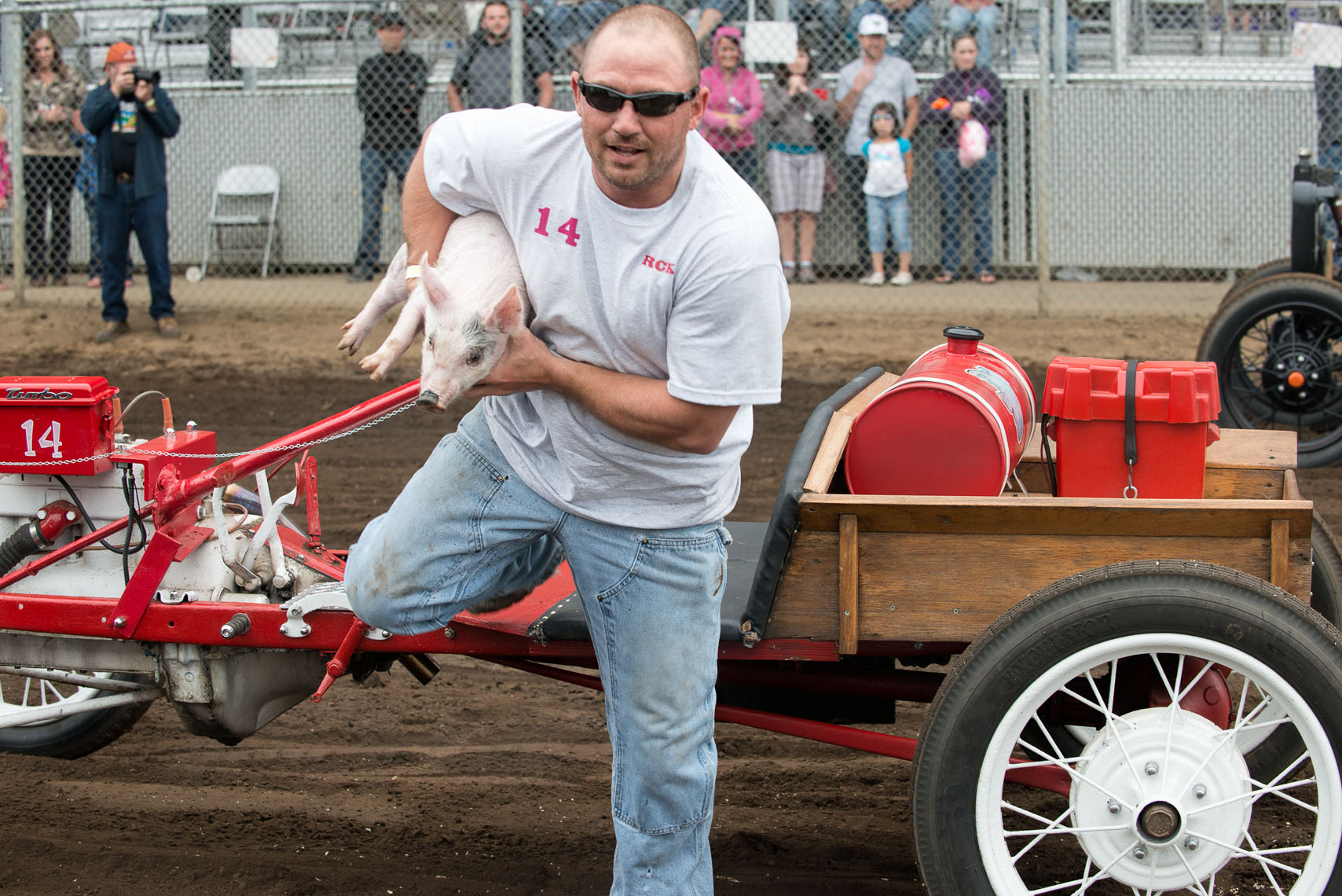 Pig and Ford Races, William Bragg, editorial photographer, Portland, Oregon
